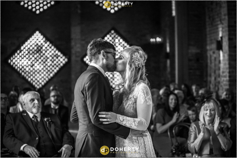 Shustoke Barn Wedding kiss