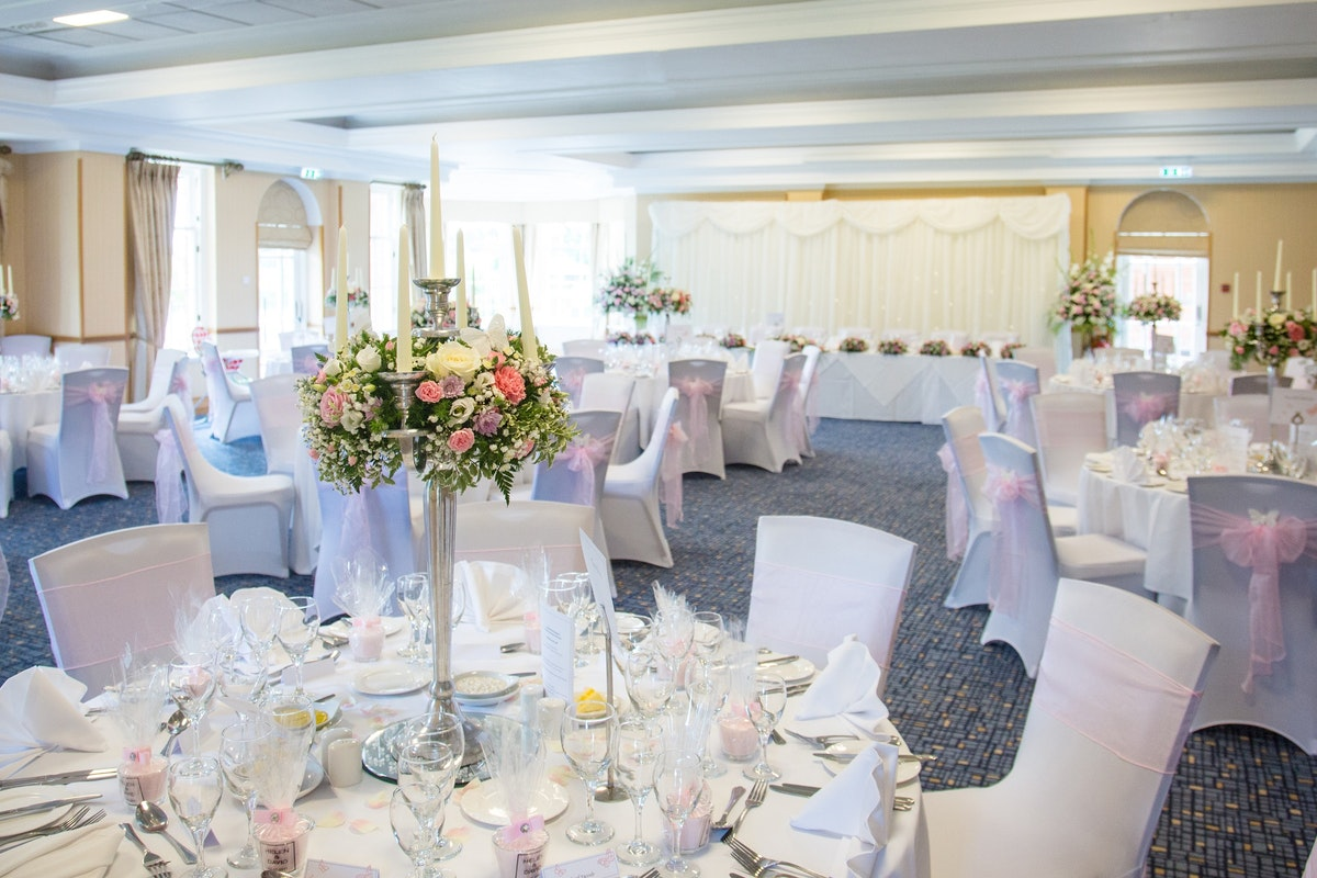 Ardencote Manor wedding room set up